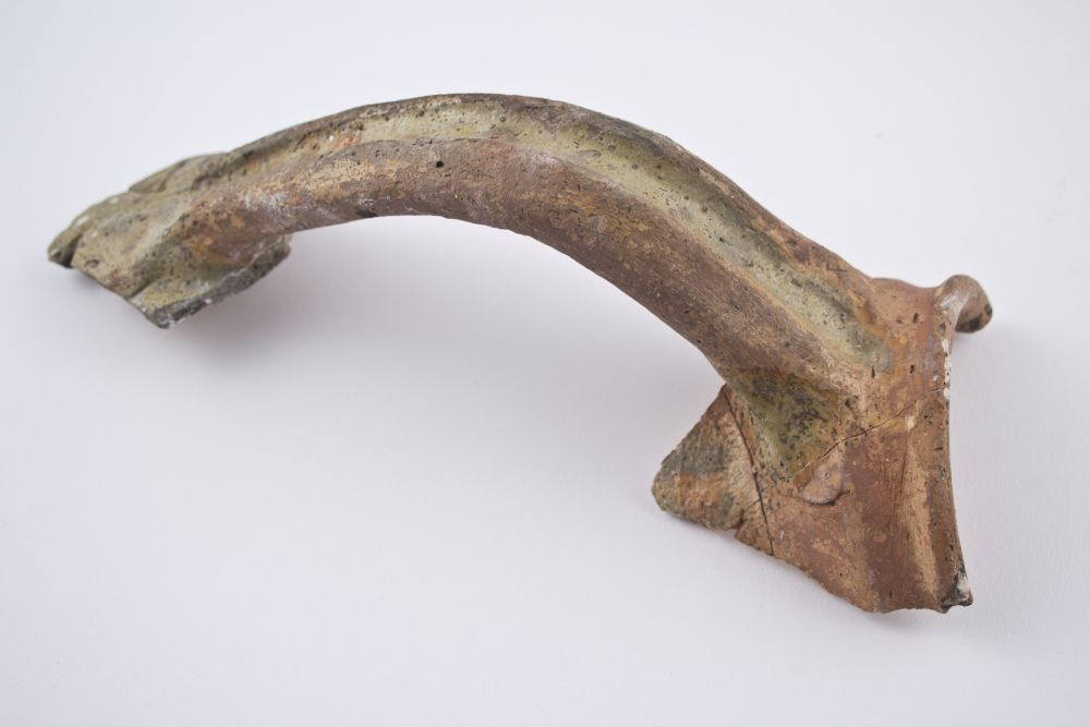 WTAH080a Handle From Late 14th Century Jar